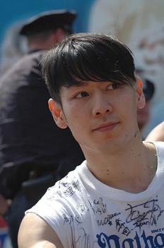 Takeru Kobayashi1.jpg